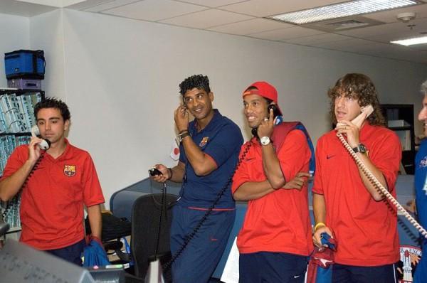 Rijkaard, Ronaldinho, Xavi en Puyol