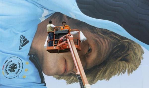 Oliver Kahn billboard