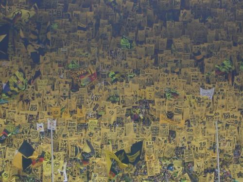 Die Gelbe Wand