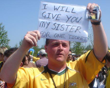 Voetbalfan verkoopt zus