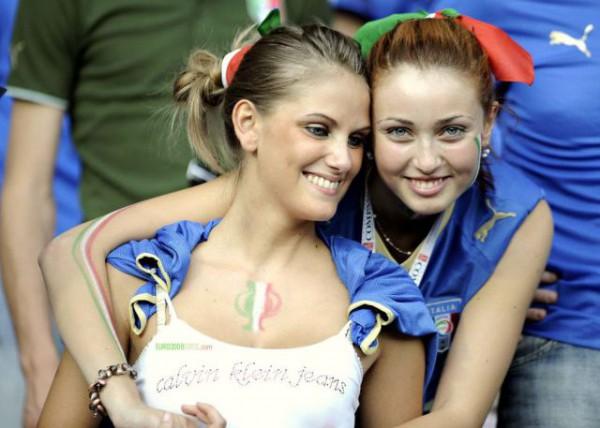 Italiaanse vrouwelijke supporters