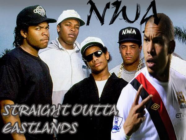 Yella, Eazy E, Dre, Cube en De Jong