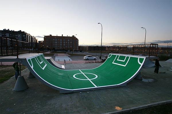 Voetbalramp voor skateboarders