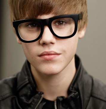 Krkic lookalike, Bieber